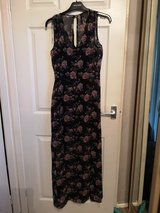 ladies size small maxi dress in Lakenheath, UK