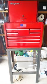 Snap-on - Road Chest, Heavy Duty, 8 Drawers, Red and stand. in Chicago, Illinois