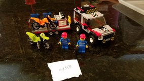 Lego #4433 Dirt Bike Transporter in Naperville, Illinois