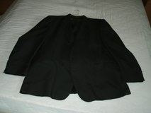Men's 2 Button Black 3 piece suit in Bolingbrook, Illinois