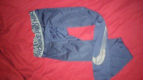 Nike Pro tights sz M in Lawton, Oklahoma