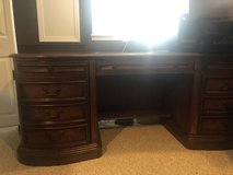 Hooker Two Piece Executive Kidney Desk - Two Pieces in Naperville, Illinois