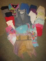 # 2 Girl mixed clothes set (size 110) - 26 pieces in Ramstein, Germany