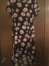 Lovely Brand new Carly Dress XS Roses in Quad Cities, Iowa