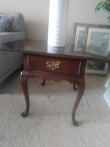 Harden end table - Beautiful vintage well built in Chicago, Illinois