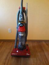EUREKA LIGHTSPEED MODEL 4711 BAGLESS UPRIGHT VACUUM CLEANER in Fort Leonard Wood, Missouri