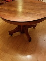 Solid Oak Table w leaf in Baytown, Texas