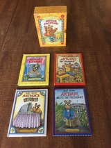 Arthur Adventures - 4 Miniature Books in a Box by Marc Brown (1996, Hardcover) in Cherry Point, North Carolina