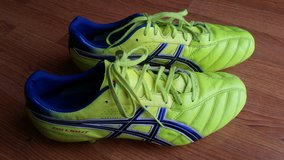 Soccer leather cleats mens 10 in Orland Park, Illinois