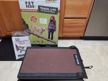 Pet Gear Dog Travel Lite Tri-Fold Pet Ramp Up to 200 lbs. in Chicago, Illinois