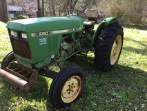 John Deere 1050 only 705 hours in Conroe, Texas