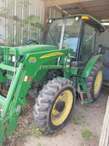2010 John Deere 5083-E Tractor in Fort Leonard Wood, Missouri