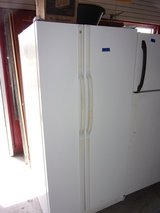 GE Refrigerator with Ice Machine in Fort Riley, Kansas