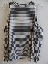 EUC-STRIPED GRAY & WHITE COLD SHOULDER TOP-XL in DeKalb, Illinois