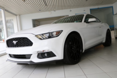2016 FORD Mustang V6, 20 Inch Rims, Autom., Track Apps, Ford WARRANTY, like NEW! in Wiesbaden, GE