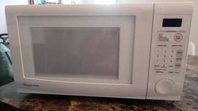 Magic Chef Microwave 1000 W in Hopkinsville, Kentucky
