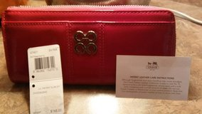 NEW Coach Raspberry Patent Leather Slim Wallet in Shorewood, Illinois