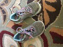 Gray sketchers in Yucca Valley, California