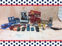 *Collection Toys)THE SET OF THE MILITARY TOWN** in Okinawa, Japan