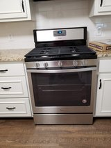 *NEW* Whirlpool Free standing Gas Range in Fort Benning, Georgia