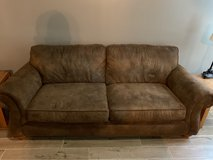 Broyhill suede couch in Warner Robins, Georgia