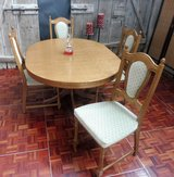 Extendable Diningroom Table with 4 Chairs in Ramstein, Germany