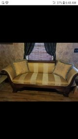 Real nice couch in Hopkinsville, Kentucky