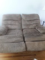 Recliner couch in Aurora, Illinois