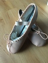 Ballet Shoes - size 8 1/2 in Bolingbrook, Illinois