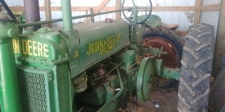 1937 John Deere Model A tractor great condition in Fort Polk, Louisiana