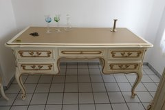 Writing desk in Grafenwoehr, GE