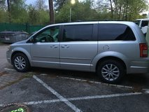 2009 CHRYSLER TOWN AND COUNTRY LOW MILES 74XXX in Ramstein, Germany