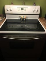 Frigidaire white glass top stove self cleaning oven in Fort Polk, Louisiana