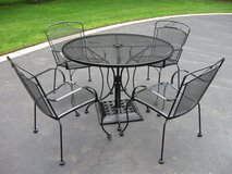 Patio Table/Chairs/Umbrella Stand in Lockport, Illinois