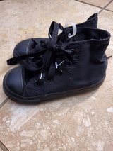 New black converse size 8 in Fort Belvoir, Virginia