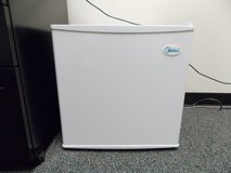 Midea mini fridge refridgerator (reduced price) in Fort Leonard Wood, Missouri
