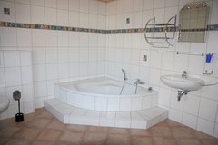 Built 2001 - Pretty 2 Bedrm Apartment Located 5 mins to Landstuhl in Ramstein, Germany