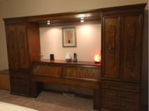 Solid wood Queen Pier/Wall Bedroom Set/Mirrors+Tall Dresser in Tinley Park, Illinois