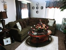 Nice nice beautiful section sofa great condition with end table in Fort Polk, Louisiana