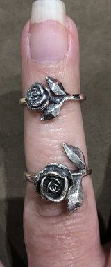 James Avery - Retired Large Rose ?? Ring size 6 1/2 in Pearland, Texas