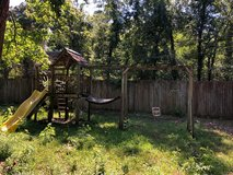 Free to a good home....  Large kids swingset in Kingwood, Texas