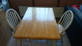 Kitchen table with 2 chairs in Wiesbaden, GE