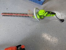 electric hedge trimmer in Kingwood, Texas