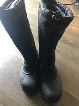 Snow boots woman's size 6 in Spring, Texas