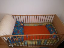 Crib and Changing Table in Wiesbaden, GE