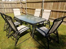 Patio set for six in Fort Campbell, Kentucky