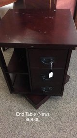 Rotating End Table (New) in Fort Leonard Wood, Missouri