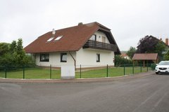 Charming 5 Bed/3,5 Bath House w/Sauna & 3 Carports – Ramstein school District in Ramstein, Germany