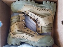 New in the box. Army combat boots. Bates 10.5 Regular. in Clarksville, Tennessee