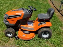 Riding lawn mower in Clarksville, Tennessee